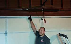 When Do I Need To Replace My Garage Door
